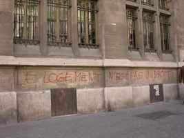 graffiti rue republique