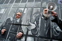 Budapest, Spectacular performance ended up in short-term-arrest of activists